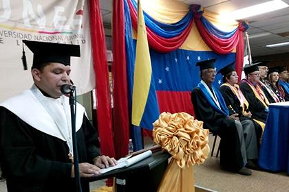 De UNES Trujillo egresan más de 160 profesionales de la seguridad