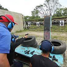 Aspirantes a policías altamente entrenados en uso de armas de fuego