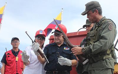 Con una muestra de UPDF discentes participaron en inutilización de armas de fuego