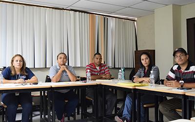 Taller de liderazgo organizacional dictado al personal UNES Zulia