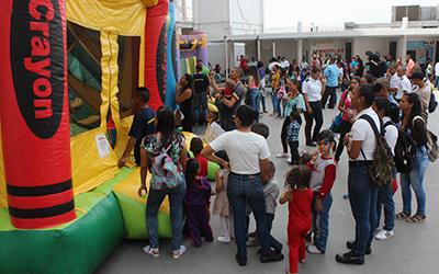 Academia de PNB celebra día del niño a hijos de discentes y monitores