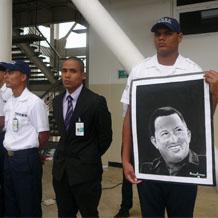 Conmemorados natalicios de Simón Bolívar y  Hugo Chávez