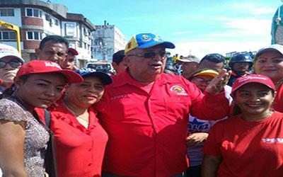 Discentes  acompañaron al gobernador Carrizales en inicio de Campaña