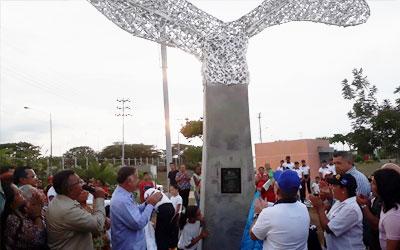 Ministro Néstor Reverol develó tercer Monumento a la Paz en la poligonal de la UNES Zulia